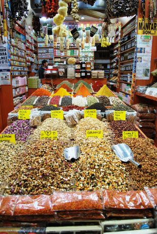 Istanbul - Egyptian spice market 3520754848