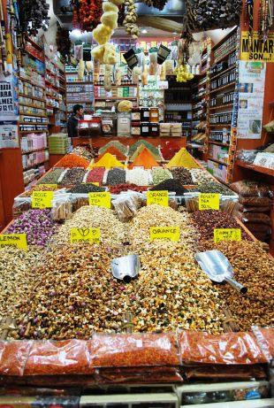 Istanbul - Egyptian spice market 3520754848
