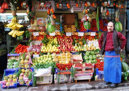 Istanbul - Fruit stand 3519924385