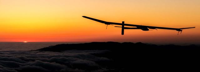 Slider-challenge-flying-day-and-night-solar-impulse-2